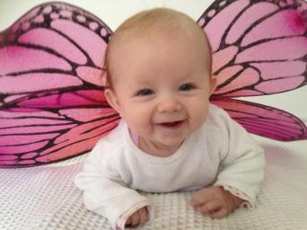 DIY baby photos - Baby butterfly