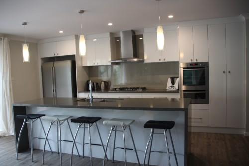 reflectionsplashback, acrylic splashback, grey and white kitchen, westinghouse